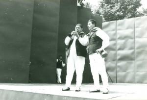 Nastup pjevača i sopaca iz folklorne grupe Rudani (ljetna pozornica)