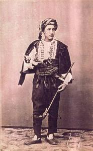 Fotografije nošnji. Dalmatinac, ev. Knin ili Imotski.