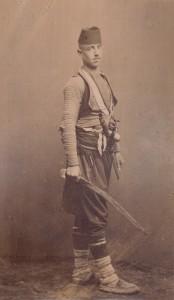 Fotografije nošnji. Hercegovac, običan vojnik; i na slikama 55505 i 55534.