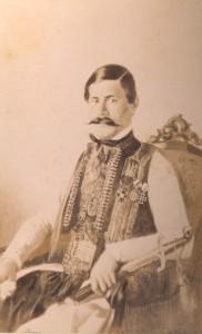 Fotografije nošnji. Crnogorac, pripadnik višeg društvenog sloja.