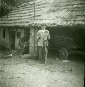 Tone Peteh (graditelj narodnih instrumenata)