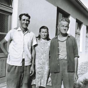Folklorna glazba otoka Brača, 1969. Pjevači: Stipičić Toma (1913), Vrsalović Marija r. Borovina (1933) u Blatu na Korčuli i Stjepan Šesnić (1905).