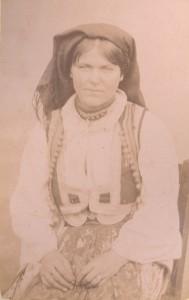 Fotografije nošnji. Crnogorka, seljanka.