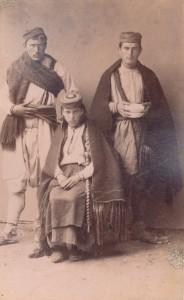Fotografije nošnji. Crnogorci, seljaci.