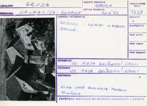 Folklorna građa iz Konavala 2, 1961.: Krovovi i komini u mjestu Grude.