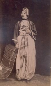 Fotografije nošnji. Hercegovka, muslimanka; i na sl. 55273.