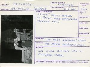 Folklorna građa iz Konavala 2, 1961.: Kazivač Veselć Đuran sa ženom pred starinskom krušnom peći.