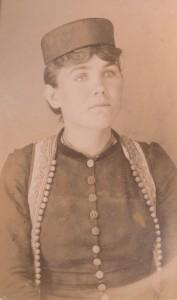 Fotografije nošnji. Crnogorka, djevojka; i na sl. 55257.