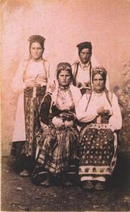Fotografije nošnji. Crnogorke, seljanke.