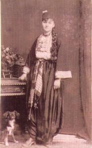 Fotografije nošnji. Hercegovka, muslimanka.