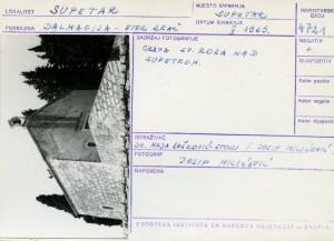 Etnološka i folklorna građa otoka Brača, 1969.: Crkva sv. Roka nad Supetrom.