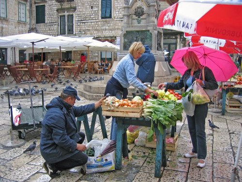 15th International Ethnological Food Research Conference: Mediteranean Food and It's Influence Abroad, Dubrovnik, 27. rujan - 3. listopad 2004.: Tržnica
