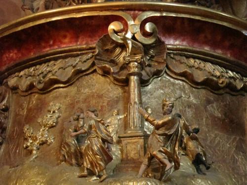 Reljef Ples oko zlatnog teleta, propovjedaonica barokne župne crkve Majke Božje Snježne, Belec