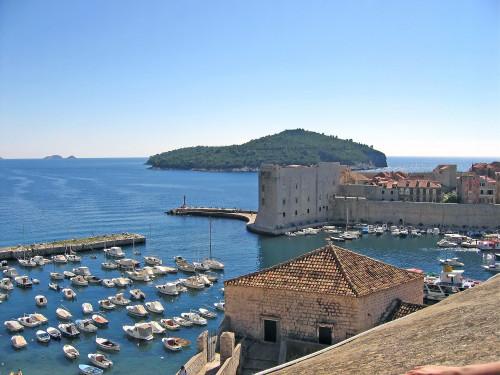 15th International Ethnological Food Research Conference: Mediteranean Food and It's Influence Abroad, Dubrovnik, 27. rujan - 3. listopad 2004.: Pogled na staru gradsku luku i otok Lokrum