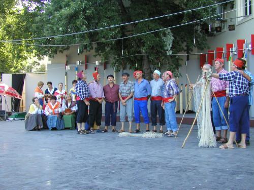 37. Međunarodna smotra folklora. Zagreb, 16.-20. srpnja 2003. Proba na Gradecu, 19. 7. 2003. Pjevačka skupina KUD-a