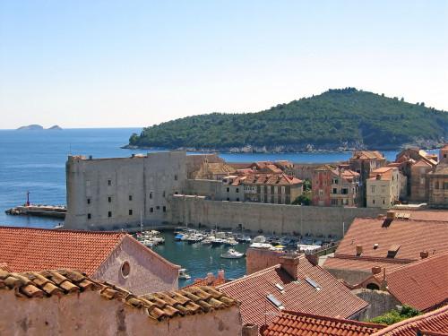 15th International Ethnological Food Research Conference: Mediteranean Food and It's Influence Abroad, Dubrovnik, 27. rujan - 3. listopad 2004.: Pogled na staru gradsku jezgru i otok Lokrum