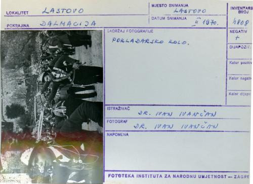 Plesni običaji otoka Lastova, 1970. Pokladarsko kolo.