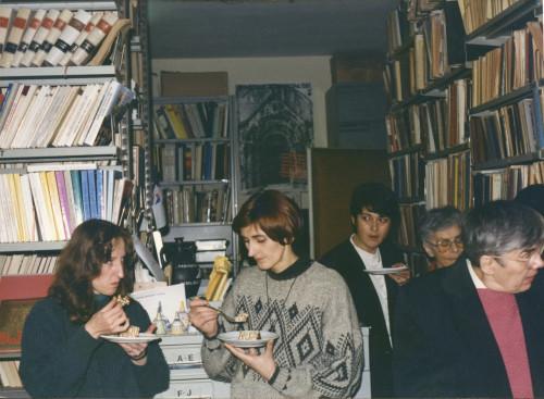Proslava u Institutu za etnologiju i folkloristiku, prosinac 1995. Olgica Tomik, Renata Jambrešić Kirin, Grozdana Marošević, Dunja Rihtman Auguštin, Javorka Bibica