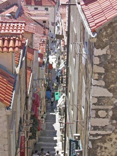 15th International Ethnological Food Research Conference: Mediteranean Food and It's Influence Abroad, Dubrovnik, 27. rujan - 3. listopad 2004.: Pogled na staru gradsku jezgru - ulica