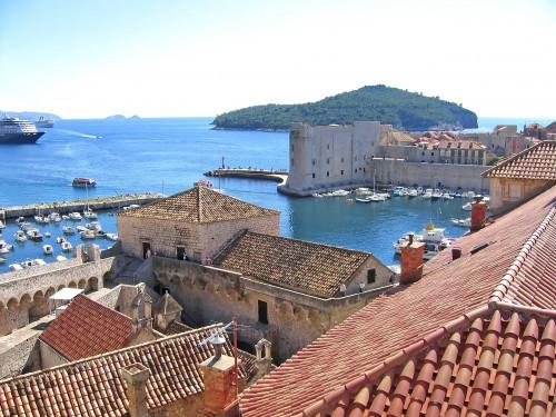 15th International Ethnological Food Research Conference: Mediteranean Food and It's Influence Abroad, Dubrovnik, 27. rujan - 3. listopad 2004.: Pogled na staru gradsku jezgru i staru luku