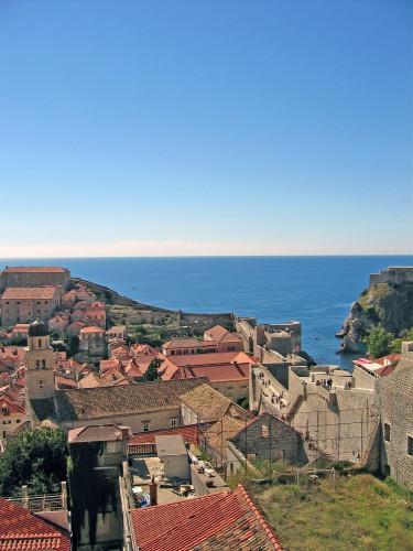 15th International Ethnological Food Research Conference: Mediteranean Food and It's Influence Abroad, Dubrovnik, 27. rujan - 3. listopad 2004.: Pogled na staru gradsku jezgru i more