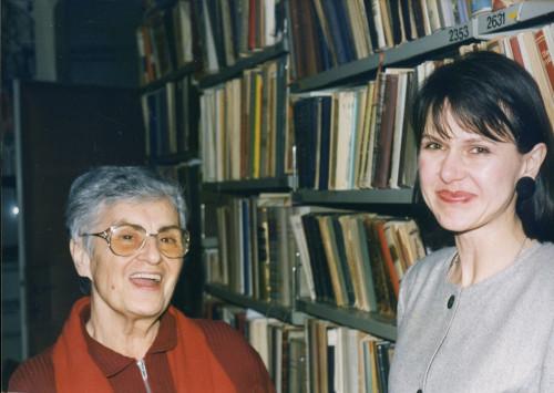 Proslava u Institutu za etnologiju i folkloristiku, prosinac 1995. Dunja Rihtman Auguštin, Maja Povrzanović