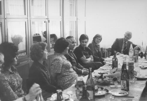 Olinko Delorko odlazi u mirovinu (snimljeno u biblioteci Instituta): Mirena Pavlović, Maja Bošković-Stulli, Olinko Delorko, Dunja Rihtman Auguštin, Jerko Bezić