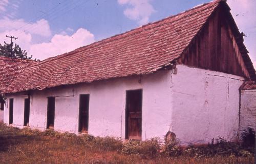 Arhitektura s područja Jugoslavije: Stari Mikanovci.
