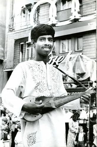 14. međunarodna smotra folklora u Zagrebu, 1979.: Na Trgu Republike: Izvođač iz Bangladeša